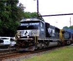 NS 6982, CSX 379 on K-144